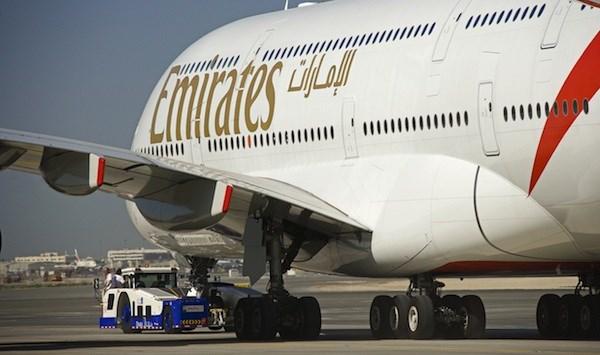 Bildresultat för flygplan emirates